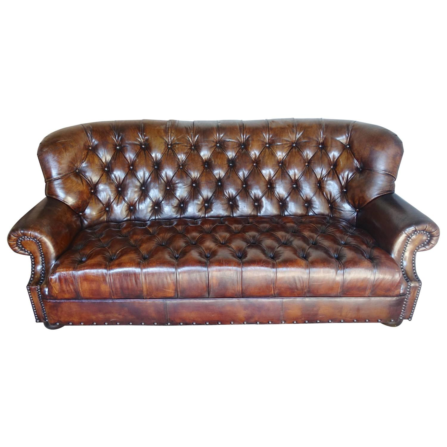 english leather tufted sofa circa 1930s melissa levinson antiques. Black Bedroom Furniture Sets. Home Design Ideas