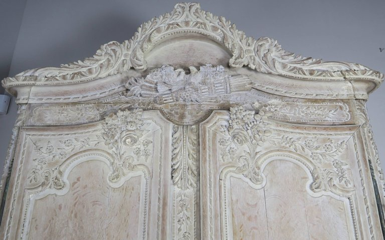 19th Century, French Louis XV Style Armoire2