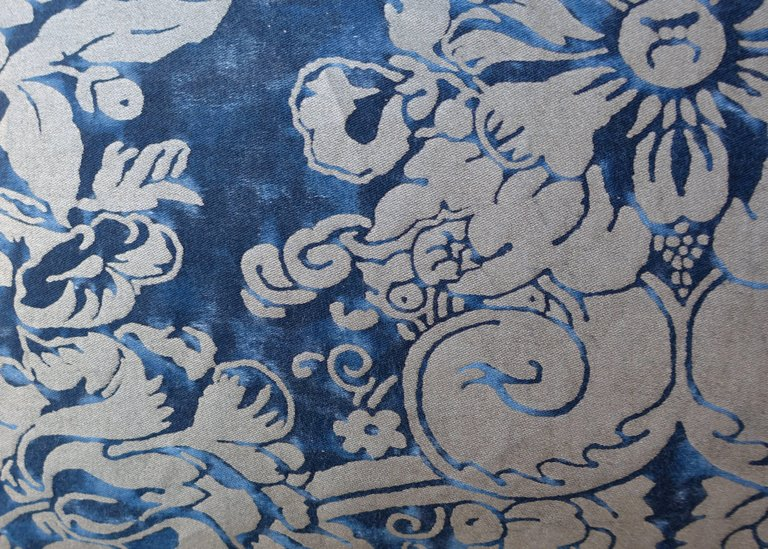 Pair of Dandola Patterned Fortuny Pillows 2