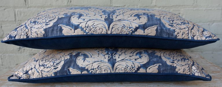 Pair of Dandola Patterned Fortuny Pillows 4