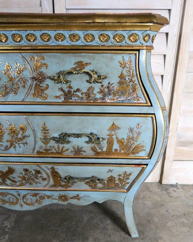 Pair of French Painted Chinoiserie Bombay Shaped Chests with Three Drawers Each 2