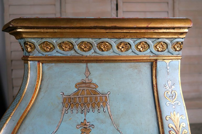 Pair of French Painted Chinoiserie Bombay Shaped Chests with Three Drawers Each 9