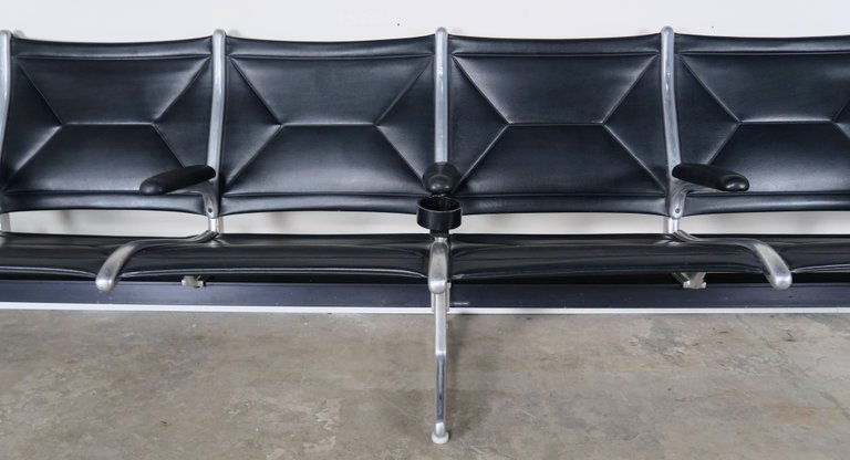 Tandem Sling Airport Leather Bench by Herman Miller 3