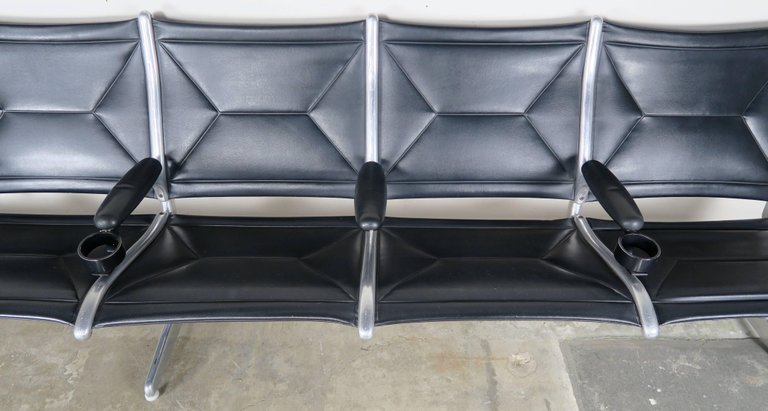 Tandem Sling Airport Leather Bench by Herman Miller 4