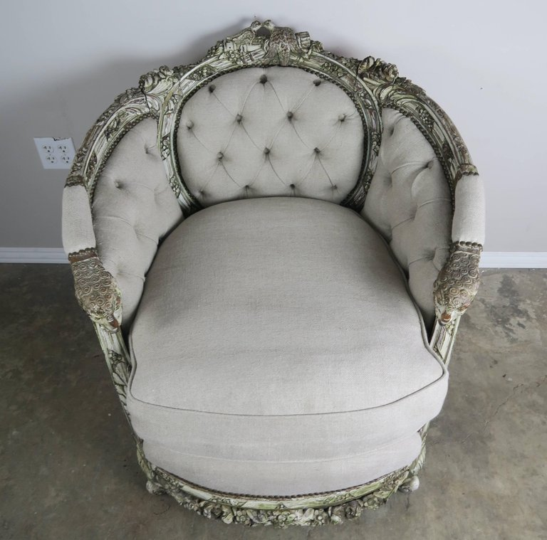 19th Century Carved Wood Louis XV Style Bergere with Doves 1