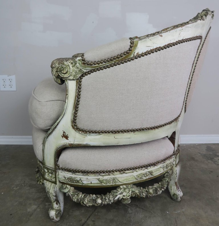 19th Century Carved Wood Louis XV Style Bergere with Doves 6