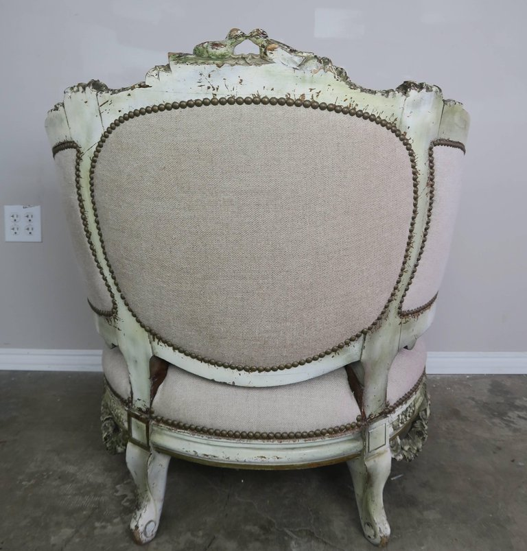 19th Century Carved Wood Louis XV Style Bergere with Doves 7