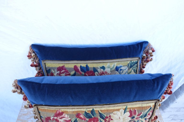 Pair of 17th Century Flemish Tapestry Pillows 4