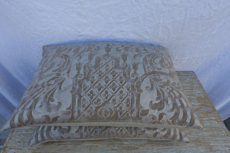 Pair of Carnavalet Fortuny Patterned Pillows 1