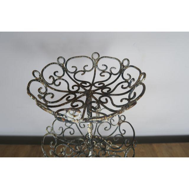 french-3-tiered-painted-metal-baskets-0450 (1)