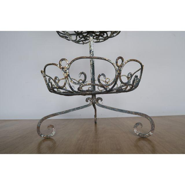 french-3-tiered-painted-metal-baskets-5028 (1)