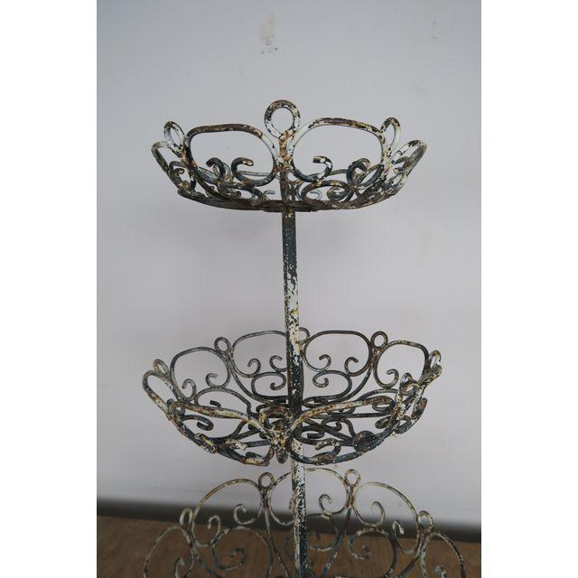 french-3-tiered-painted-metal-baskets-7502 (1)