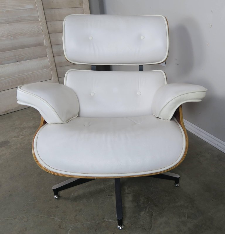 white leather chair and footstool eames style white leather chair and ottoman melissa 21977 | Eames Style White Leather Chair and Ottoman3