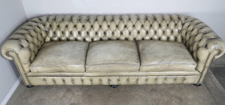 English Leather Tufted Chesterfield Sofa2