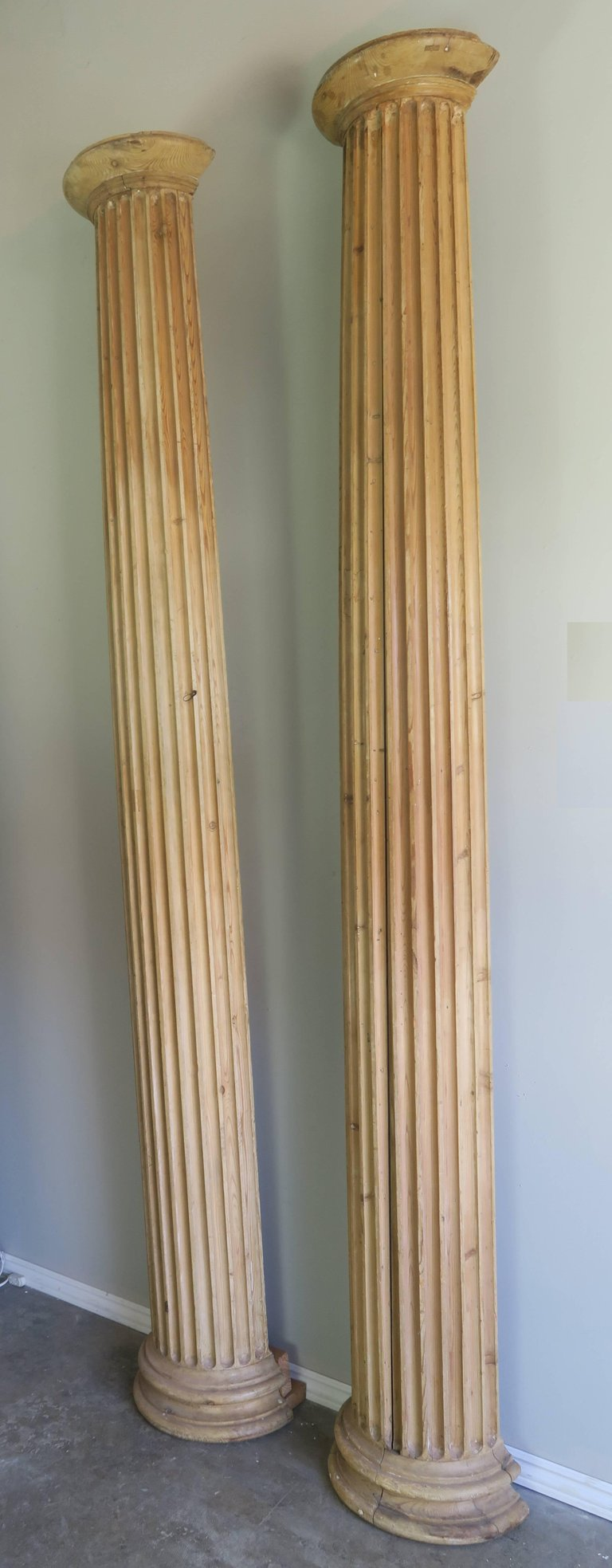 19th Century Italian Carved Pinewood Pilasters, Pair 2