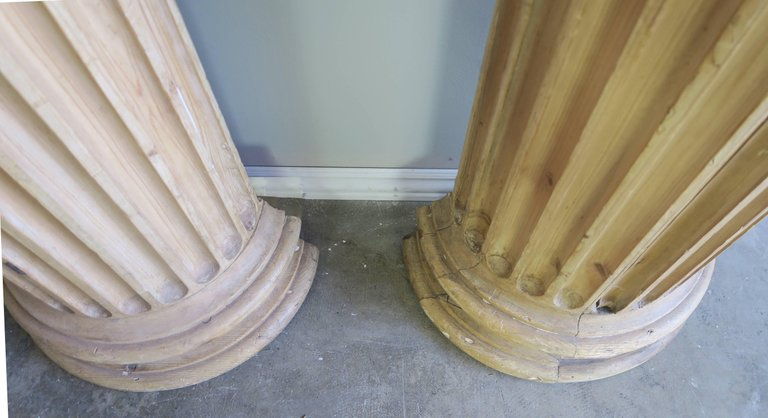 19th Century Italian Carved Pinewood Pilasters, Pair 9