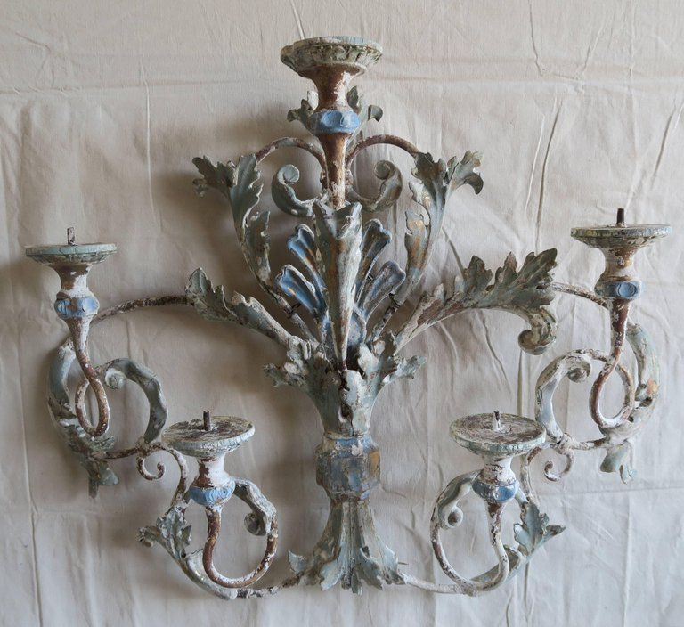 Italian Painted Iron and Wood Acanthus Leaf Wall Decor1