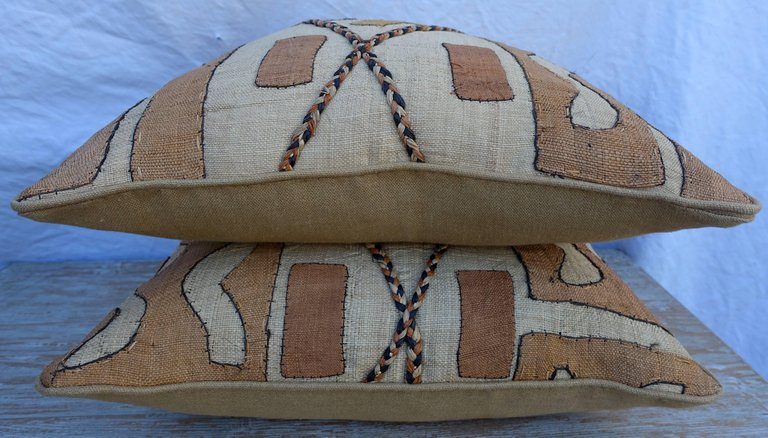 Pair of African Kuba Cloth Pillows6
