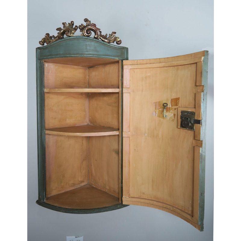 1930s-italian-painted-corner-cabinet-3723