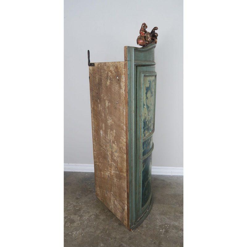 1930s-italian-painted-corner-cabinet-4396
