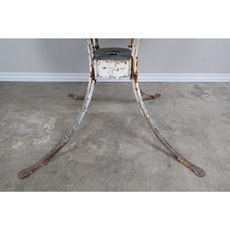painted-metal-garden-table-4135