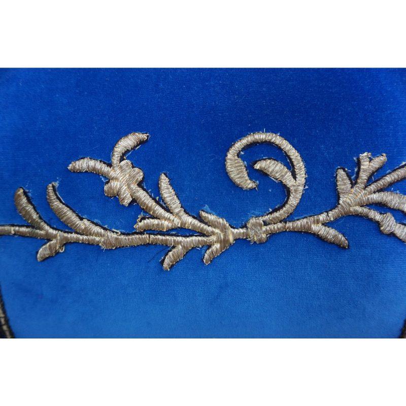 pair-of-custom-metallic-appliqued-pillows-by-melissa-levinson-5315