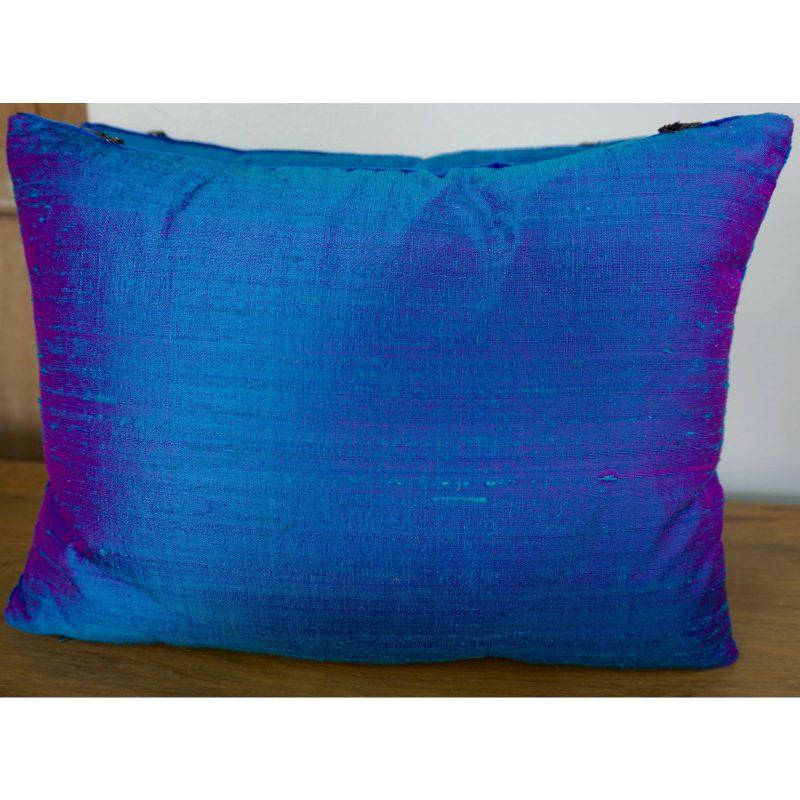 pair-of-custom-metallic-appliqued-pillows-by-melissa-levinson-7330