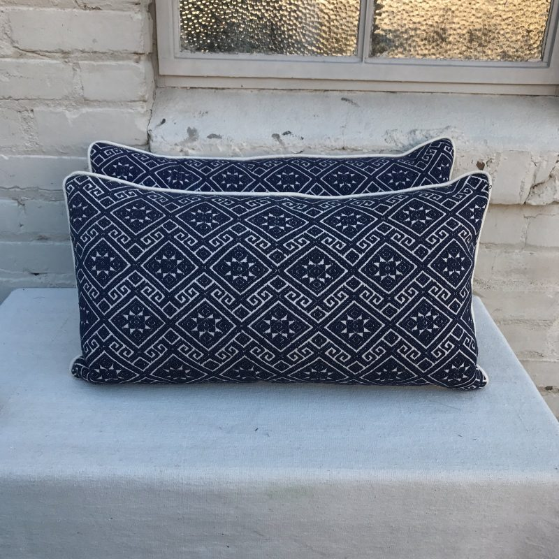 navy-and-white-woven-pillows-with-stars-a-pair-1574