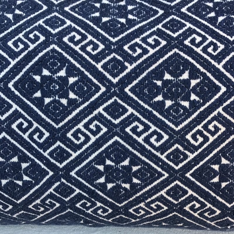 navy-and-white-woven-pillows-with-stars-a-pair-2488