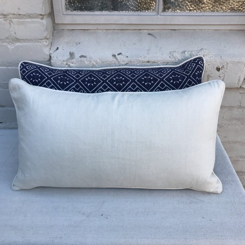 navy-and-white-woven-pillows-with-stars-a-pair-9413